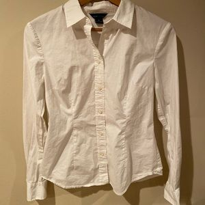 White button down fitted shirt